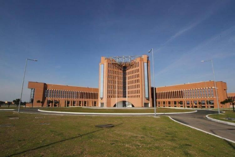 La sede del COFS è all'interno dell'Aeroporto Militare di Centocelle Francesco Baracca.