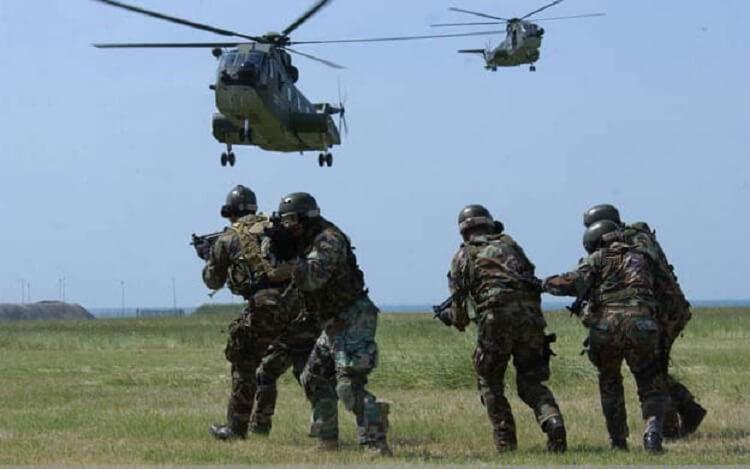 Gli Incursori dell'Aeronautica Militare il 17° Stormo in azione